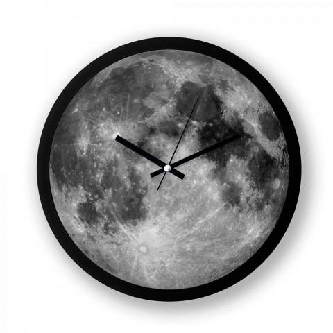 Moon Geo resimli duvar saati. Presstish tasarım baskılı duvar saati. Sessiz akar makineli siyah duvar saati. En güzel duvar saatleri. Hediyelik şık dekoratif duvar saati.