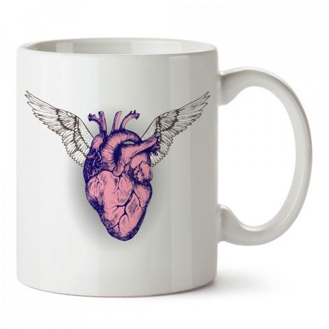 A Living Heart kalp tasarım baskılı porselen kupa bardak (mug). Presstish marka resimli hediyelik kupa bardak modeli. Tasarım kahve kupası. Baskılı mug.