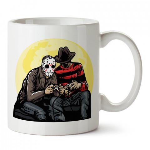 Time Killers Freddy Krueger vs Jason baskılı tasarım porselen kupa bardak (mug). Presstish marka resimli hediyelik kupa bardak modeli. Tasarım kahve kupası. Baskılı mug.