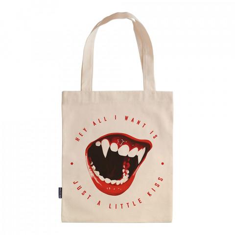 Just A Little Kiss tasarım baskılı ham bez çanta. 35x41. Hediyelik bez çanta modelleri. En güzel bez çantalar. Modaya uygun bez çantalar. Organik baskılı bez çanta.