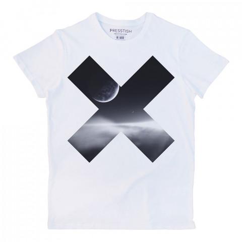 EX x harfi baskılı tasarım tişört. %100 pamuklu baskılı tişört. Presstish organik erkek tasarım baskılı tişört çeşitleri. Hediyelik tasarım tshirt. Tişört baskı.