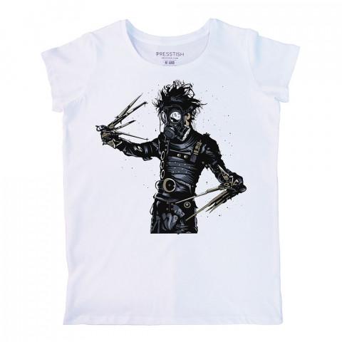 Edward Scissorhands In Park baskılı tasarım tişört. %100 pamuklu baskılı bayan tişört. Presstish tasarım baskılı tişört. Hediyelik kadın tişört. Baskılı tasarım tshirt.