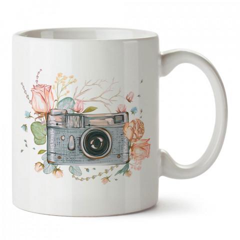 Çiçek Süslemeli Fotoğraf Makinesi tasarım baskılı porselen kupa bardak modelleri (mug bardak). Kahve kupası.