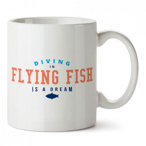 Flying Fish'de Dalış tasarım baskılı porselen kupa bardak modelleri (mug bardak). Dalgıçlara, dalış, scuba ve deniz severlere hediye. Kahve kupası.