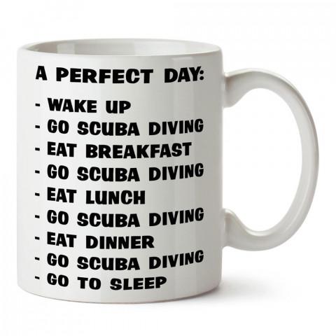 Mükemmel Bir Gün Dalgıç tasarım baskılı porselen kupa bardak modelleri (mug bardak). Dalgıçlara, dalış, scuba ve deniz severlere hediye. Kahve kupası.