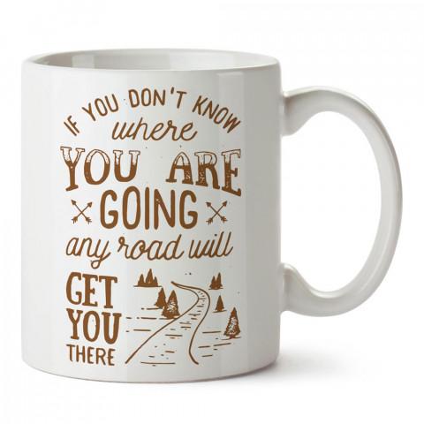 Her Yol Seni Doğaya Götürür tasarım baskılı porselen kupa bardak modelleri (mug bardak). Doğa, macera, kamp ve tatil sevenlere hediye. Kahve kupası.