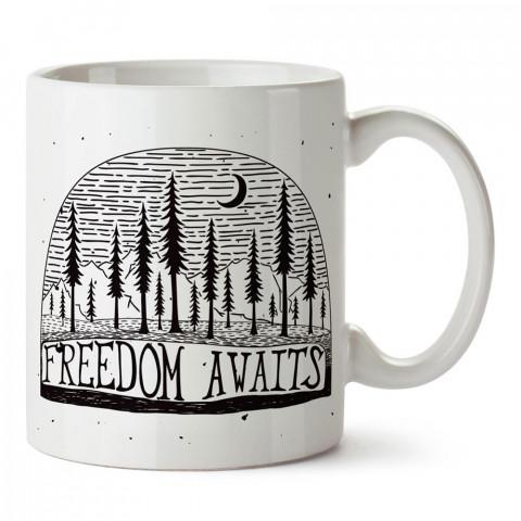 Özgürlük Seni Bekliyor tasarım baskılı porselen kupa bardak modelleri (mug bardak). Doğa, macera, kamp, tatil ve seyahat sevenlere hediye. Kahve kupası.