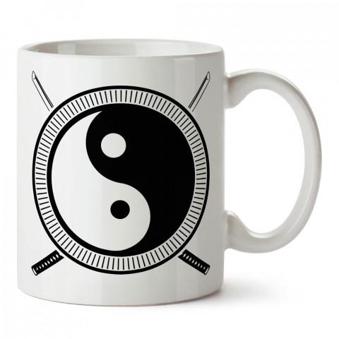 Samurai Yin Yang tasarım baskılı porselen kupa bardak modelleri (mug bardak). Dövüş, savunma, savaş sanatları ile ilgili en güzel hediye. Kahve kupası.