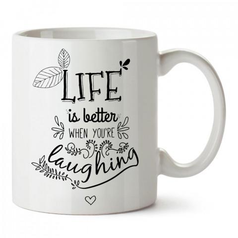 Hayat Sen Gülerken Daha Güzeldir yazılı tasarım baskılı porselen kupa bardak modelleri (mug bardak). Yazılı desenli hediyelik ürünler. Kahve kupası.