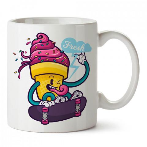 Fresh Kaykaycı Dondurma tasarım baskılı porselen kupa bardak modelleri (mug bardak). Yiyecek çeşitleri desenli hediyelik ürünler. Kahve kupası.