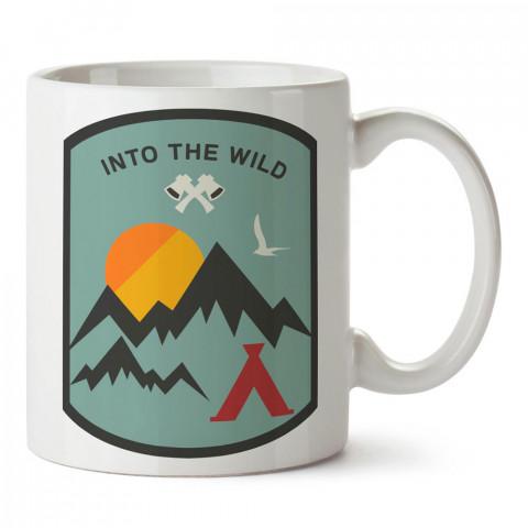 Into The Wild Arma tasarım baskılı porselen kupa bardak modelleri (mug). Doğa, macera, kamp tatil ve seyahat sevenlere hediye. Vahşi doğa kahve kupası.
