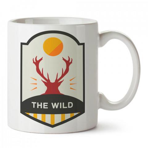 The Wild Geyik tasarım baskılı porselen kupa bardak modelleri (mug bardak). Doğa, macera, kamp tatil ve seyahat sevenlere hediye. Vahşi doğa kahve kupası.