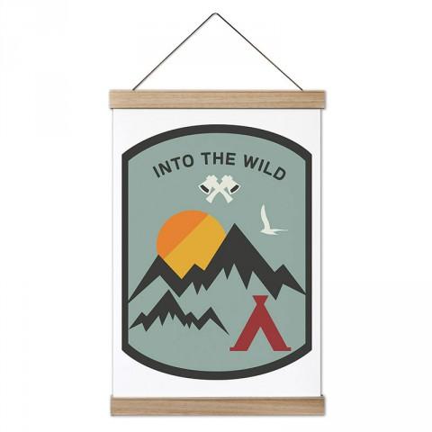 Into The Wild Arma tasarım ahşap çerçeveli kanvas poster tablo modelleri. Orman, kamp ve doğa severlere en güzel hediye modern kanvas poster duvar tabloları.