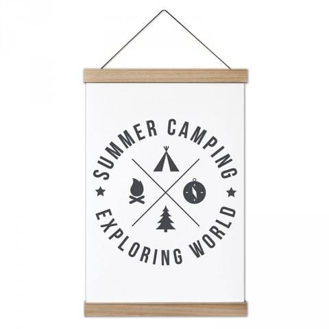 Yaz Kampı Dünyayı Keşfetmek tasarım ahşap çerçeveli kanvas posterler. Kamp ve doğa severlere, kampçılara en güzel hediye modern kanvas poster duvar tabloları.