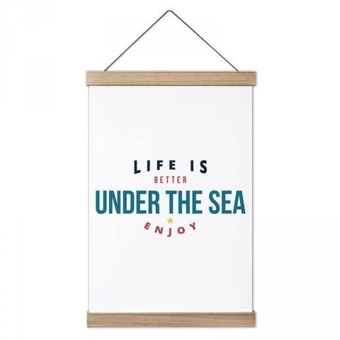 Hayat Denizin Altında Daha İyi tasarım dekoratif ahşap çerçeveli kanvas poster. Dalgıçlara, dalış ve scuba diving severlere en güzel hediye kanvas poster duvar tabloları.