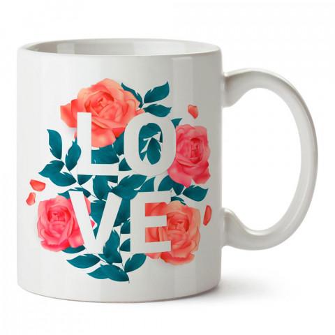 Güllerin İçinde Love tasarım baskılı porselen kupa bardak (mug). Sevgiliye hediye aşk içerikli kupa bardaklar. Sevgiliye en güzel hediye kupa. Sevgili için kahve kupası.