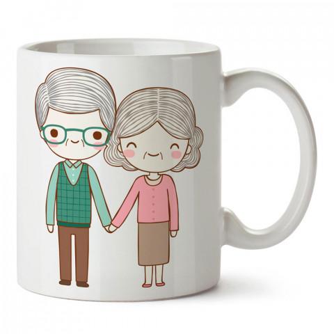 Yaşlı Çiftler tasarım baskılı porselen kupa bardak (mug). Sevgiliye hediye aşk içerikli kupa bardaklar. Sevgiliye en güzel hediye kupa. Sevgili için kahve kupası.