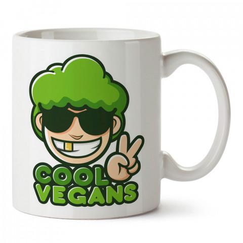 Cool Vegans tasarım baskılı kupa bardaklar. Vejetaryene ve vegana hediyelik mug bardak. Vegan tasarım kahve kupası. Vegan ve vejetaryenlere hediye fikirleri. Veganizm.