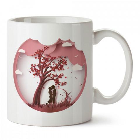 Kalp Ağacı Altındaki Sevgililer tasarım baskılı porselen kupa bardak (mug). Sevgiliye hediye aşk konulu kupa bardaklar. Sevgiliye en güzel hediye kupa. Sevgiliye fincan.