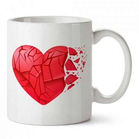 Kırık Kırmızı Kalp tasarım baskılı porselen kupa bardak (mug). Sevgiliye hediye aşk içerikli kupa bardaklar. Sevgiliye en güzel hediye kupa. Sevgiliye kahve kupası.