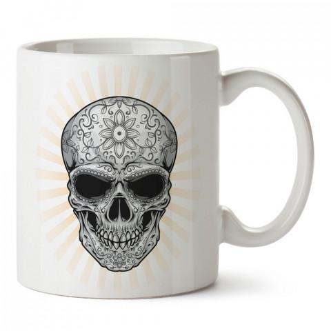 Parlayan Kuru Kafa tasarım baskılı kupa bardaklar. Kuru Kafa hediyelik mug bardak. Skull tasarım kahve kupası. Kuru Kafa hediye fikirleri. Kuru Kafa resim.