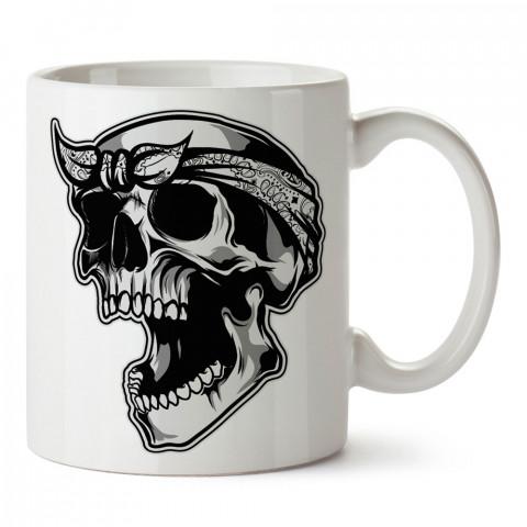 Rapçi Kuru Kafa tasarım baskılı kupa bardaklar. Kuru Kafa hediyelik mug bardak. Skull tasarım kahve kupası. Kuru Kafa hediye fikirleri. Kuru Kafa resim.
