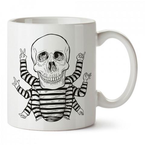 Sekiz Kollu Kuru Kafa tasarım baskılı kupa bardaklar. Kuru Kafa hediyelik mug bardak. Skull tasarım kahve kupası. Kuru Kafa hediye fikirleri. Kuru Kafa resim.