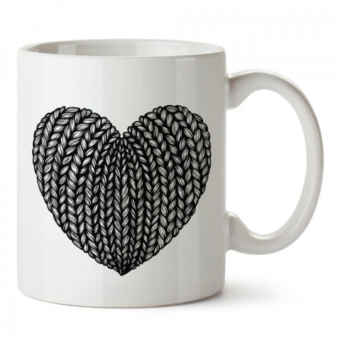 Siyah Beyaz Örgü Kalp Desenli baskılı porselen kupa bardak (mug). Sevgiliye hediye aşk içerikli kupa bardaklar. Sevgiliye en güzel hediye kupa. Sevgiliye kahve kupası.