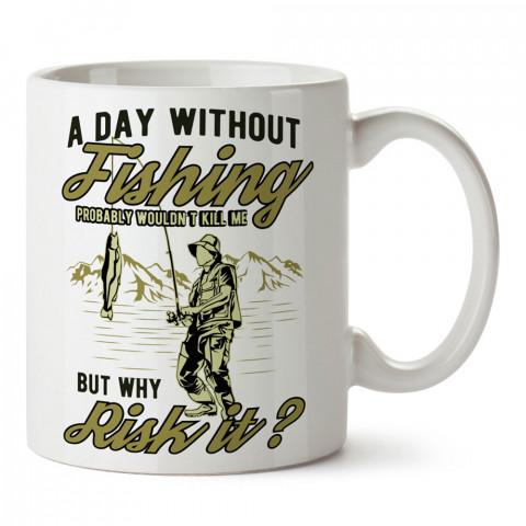 Balıkçı Tipografik Desen baskılı tasarım kupa bardak (mug bardak). Balıkçıya hediye kupa modelleri. Balıkçılara hediyelik kahve kupası. Balıkçılık sporu konulu hediye.