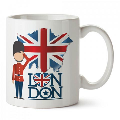 İngiliz Asker İngiltere Bayrağı Ve Haritası tasarım kupa bardak (mug). Ülke ve şehir temalı hediye. İngiltere desenli hediyelik kahve kupası. Turizm ve tatil hediyeleri.