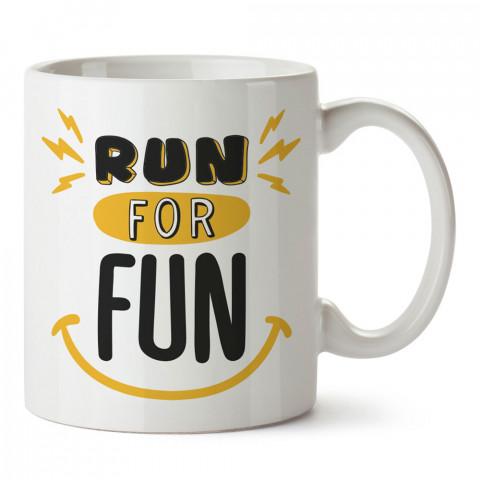 Run For Fun Gülücük baskılı tasarım kupa bardak (mug bardak). Koşucuya hediye kupa bardak modelleri. Koşuculara hediyelik kahve kupası. Koşu sporu konulu hediye.