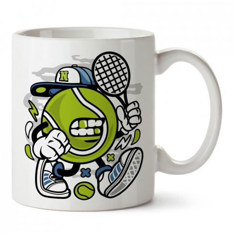 Şapkalı Tenis Topu tasarım baskılı kupa bardak (mug). Tenisçiye hediye fikirleri. Tenis sporu ile ilgilenenlere ve sporcuya hediye kahve kupası. Tenisçi için hediye kupa.