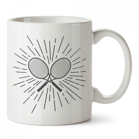 Tenis Raketleri tasarım baskılı kupa bardak (mug). Tenisçiye hediye fikirleri. Tenis sporu ile ilgilenenlere ve sporcuya hediye kahve kupası. Tenisçi için hediye kupa.