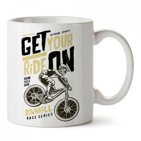 Bisiklet Tipografik baskılı porselen kupa bardak (mug). Bisikletçiler için en güzel hediye. Bisikletçilere hediye kahve kupası. Bisikletçiye alınabilecek hediyeler.