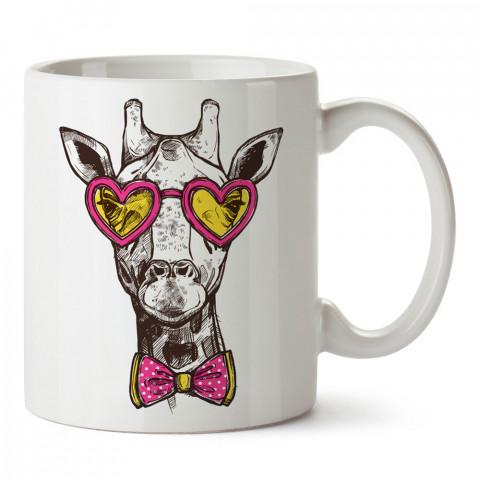 Papyonlu Zürafa Hipster tasarım baskılı kupa bardak (mug). Hipster hediyelik kupa bardak. Hipstera tasarım hediye. Hipster tarz tasarımlar. Hipster hediye çeşitleri.