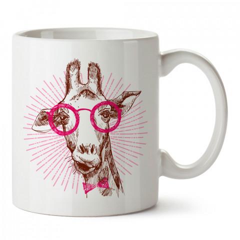 Pembe Gözlüklü Zürafa Hipster tasarım baskılı kupa (mug). Hipster hediyelik kupa bardak. Hipstera tasarım hediye. Hipster tarz tasarımlar. Hipster hediye çeşitleri.
