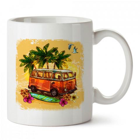 Yaz Mevsimi Retro Volkswagen Minibüs baskılı kupa (mug). Tatilcilere, tatil sevenlere tasarım hediye. Seyahat sevene hediye. Mevsimlere özel tasarım hediyelik ürünler.