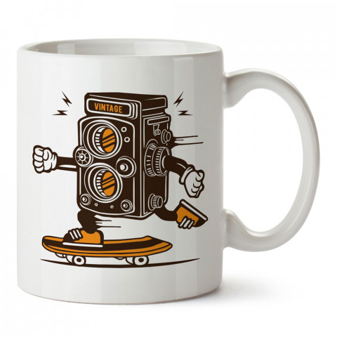 Kaykaycı Vintage Fotoğraf Makinesi baskılı porselen kupa bardak modelleri (mug). Fotoğrafçılara ve fotoğraf severlere en güzel hediye. Fotoğraf sevene özel kahve kupası.
