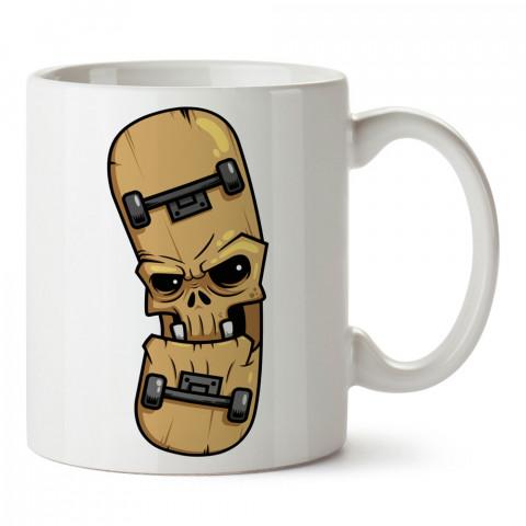 Kaykay Monster tasarım baskılı kupa bardak (mug bardak). Kaykaycılara ve patencilere hediye kupa bardak modelleri. Patenciye ve kaykaycıya hediye.