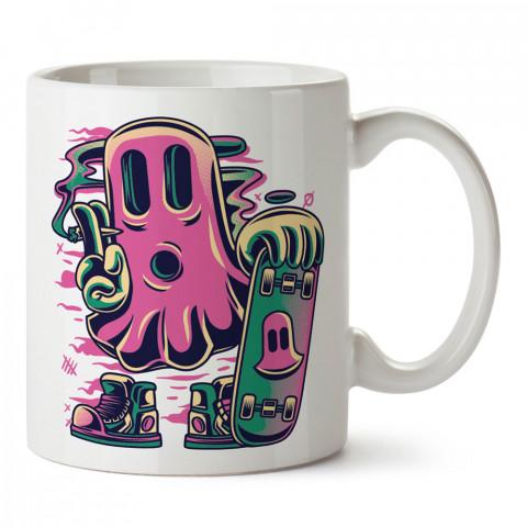 Hayalet ve Kaykay tasarım baskılı kupa bardak (mug bardak). Kaykaycılara ve patencilere hediye kupa bardak modelleri. Patenciye ve kaykaycıya hediye.