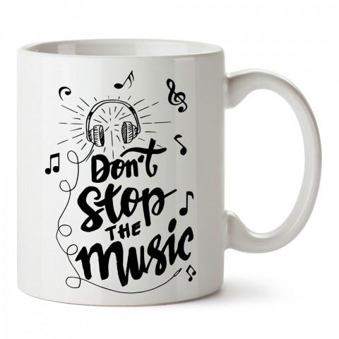Müziği Durdurma Kulaklık tasarım baskılı kupa bardak (mug bardak). Müzik konulu hediye kupa bardak modelleri. Müzisyenlere ve müzik tutkunlarına hediye.
