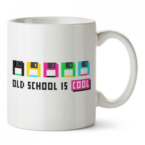 Old School Disketler tasarım baskılı kupa bardak (mug bardak). Oyuncuya, Gamera hediye kupa bardak. Oyunculara hediye seçenekleri. Oyunseverlere kupa bardak.