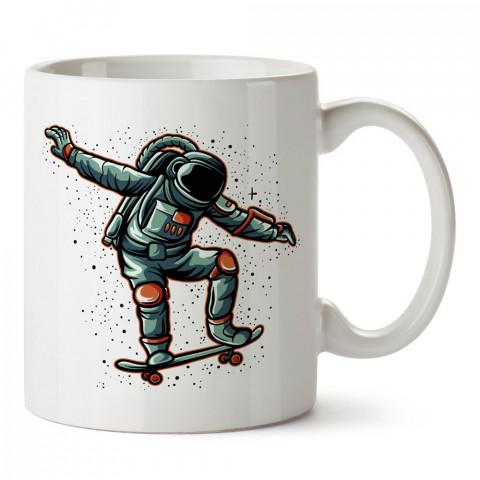 Kaykaycı Astronot Uzay tasarım baskılı kupa bardak (mug bardak). Uzay ve galaksi desenleri sevenlere hediye. Gezegenler baskılı kupa. Uzay meraklılarına hediyelik.