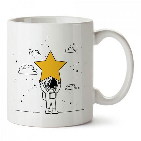 Yıldız Taşıyan Astronot Uzay tasarım baskılı kupa bardak (mug bardak). Uzay ve galaksi desenleri sevenlere hediye. Gezegenler baskılı kupa. Uzay meraklılarına hediyelik.