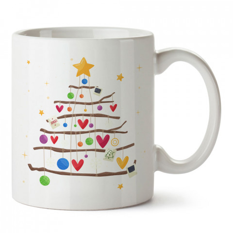 Kalp Süslü Yılbaşı Ağacı tasarım baskılı kupa bardak (mug bardak). Yılbaşı hediyesi kupa. En güzel yılbaşı hediyeleri. Yeni yıl için hediyelik ürünler. Yılbaşı tasarım.